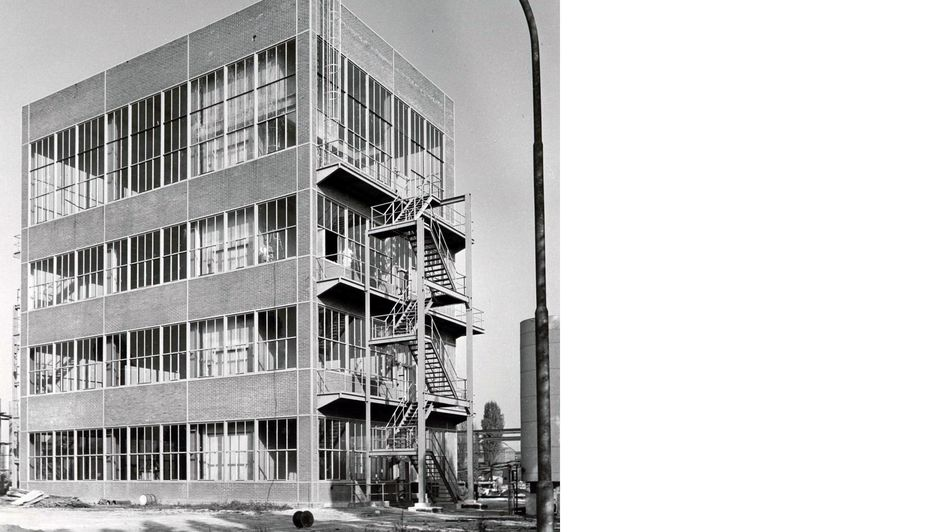 New production building, 1960